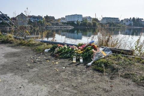 Tre personer omkom da bilen de kjørte i havnet i sjøen ved fergeleiet i Svolvær i august i fjor. Arkivfoto: Øystein Ingebrigtsen