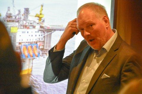 UTDANNING: - Svekkes utdanningstilbudene vil flere unge flytte ut av landsdelen, mener dekan Erlend Bullvåg ved Handelshøgskolen i Bodø.  Foto: Øystein Ingebrigtsen