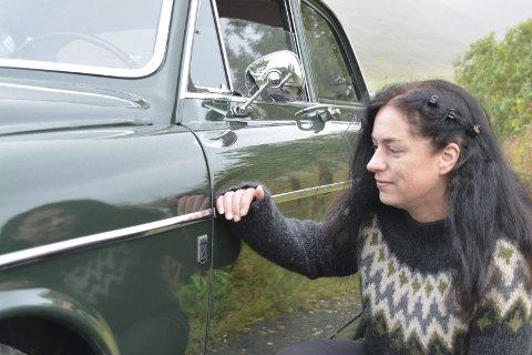 "Mammazon: Bilentusiast Hilde Lorentzen fra Voll har pleiet godt med sin Volvo Amazon 121 1967 modell, som går under navnet ""Mammazon"" hos familien.  Alle foto: Geir Inge Winther"