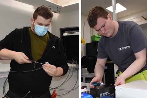 Simon Torje Hartviksen og Tore Oscar Walle Hansen besto fagprøven som telekommunikasjonsmontører fredag 15. januar.
