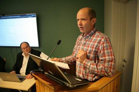 KONTROLL: Ordfører i Flakstad kommune, Trond Kroken, er fornøyd med hvordan arbeidsgiverne jobber for å minske risikoen for smittespredning.