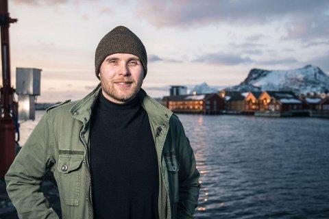 KRITISK: Styremedlem Jonas Walsøe og styret i nedlagte Fiskekjøpernes Forening er kritisk til at fiskerikonsern som eier trålere og landanlegg flytter penger fra fiskeridelen og til anlegg. - Det er konkurransevridning.