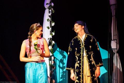 Hovedrollene: Kathrina Sivertsen og Henrik Paus hadde hovedrollene i musikalen Aladdin.