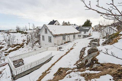 ENEBOLIG: Sigbjørn Korneliussen har valgt å legge ut eneboligen i Sørvågen for salg.