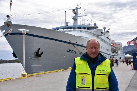 LEKNES HAVN: Havnesjef Kjell Jakobsen i Vestvågøy kommune.