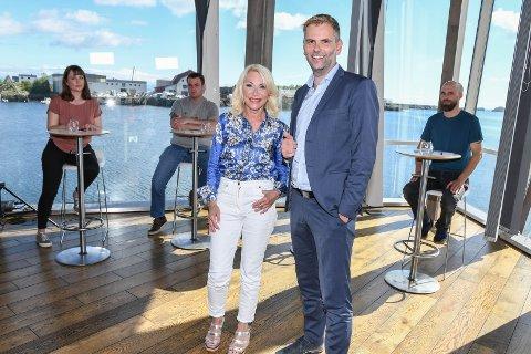 Tar debatten: Bente Engesland og Jan Eivind Fredly har et bredt panel i studio i Svolvær når fremtiden for Norge diskuteres. De leder et bredt panel i debatt om viktige spørsmål for havnasjonen Norge - fra Lofoten.