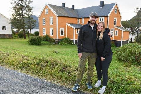 Flyttet til Austre Vågan: Bendik Thommesen og Lisa Kristin Johansen flyttet nylig til Brettesnes i Austre Vågan.