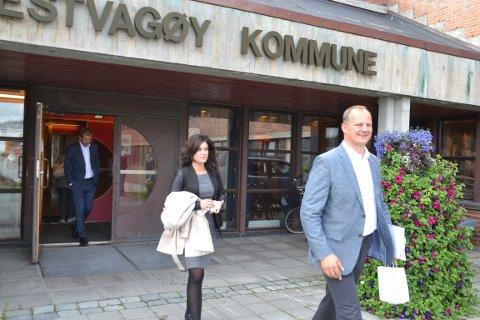 Samferdselsminister Ketil Solvik-Olsen besøkte i 2015 Lofoten og rådhuset på Leknes i forbindelse med presentasjonen av KVU Fiskebøl-Å.