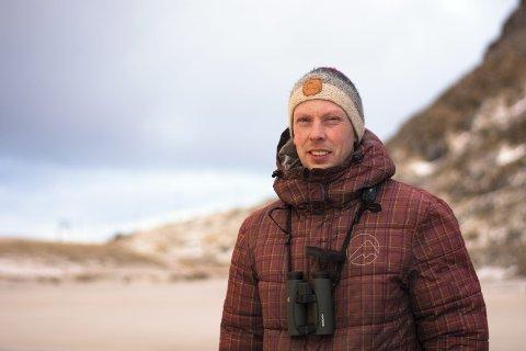 ORNITOLOG: Martin Eggen jobber for Norsk Ornitologisk Forening som naturvernrådgiver, og har hjemmekontor på Ramberg.