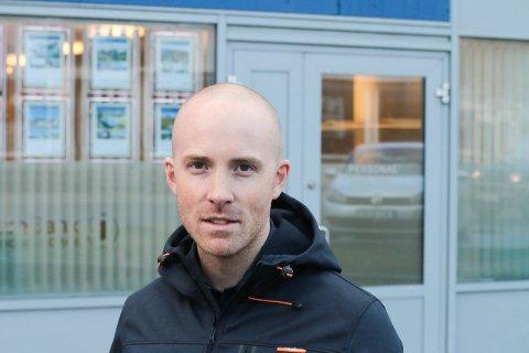 EIENDOMSMEGLER: Fredrik Bakkejord hos Eiendomsmegler 1 på Leknes.