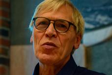 Ove Orvik holdt foredrag om kystspråk og ord som dør ut for Vestvågøy historielag 25. september.
