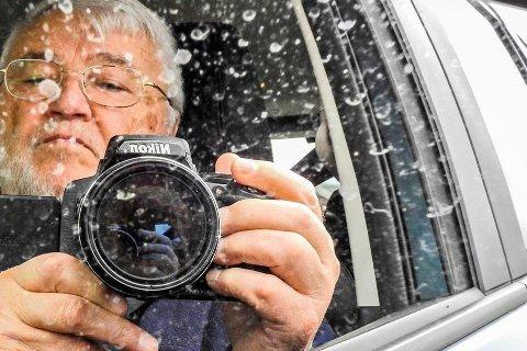 Gunnar Strand (76) fra Gravdal er ivrig hobbyfotograf. Han publiserer bildene sine – deriblant det etterhvert så omdiskuterte bildet av Buksnes kirke – på instagram under profilen @gunnar.strand.