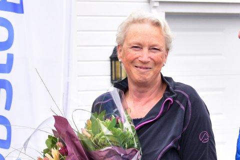 Ninette Solheim Johansen (63) har førtidspensjonert seg etter å ha jobbet siden hun var 14. Bildet er tatt i 2019, da hun som prosjektleder for sherpasti Reinebringen mottok 1,4 millioner fra SpareBank 1 Nord-Norge.