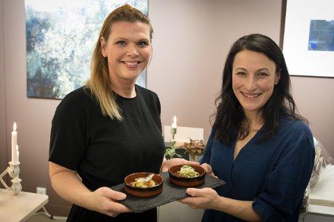 Angelita Eriksen (til venstre) og Tamara Singer i sjømatselskapet Lofoten Seaweed Company AS.