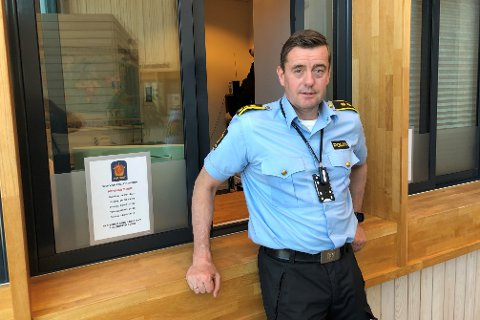 Stasjonssjef Ketil Finstad-Steira på politistasjonen i Svolvær.