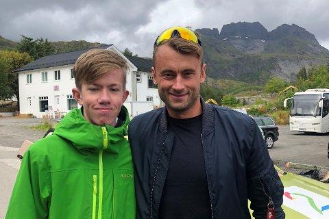 BILDE 1/3: Emil Kristoffer Sæthre (15) og den tidligere skistjernen Petter Northug.