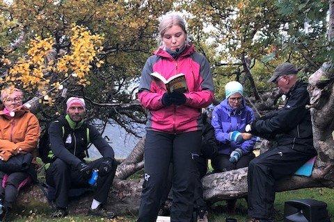 RØRENDE: Maria Granhus leste en novelle som hennes avdøde far Frode Granhus har skrevet.