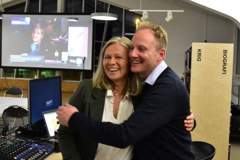 Senterpartiets ordførerkandidat Anne Sand og ordfører Remi Solberg (Ap).