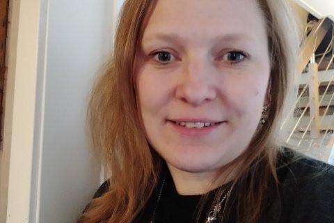 Tone Soløy Knutsen (41) er konstituert assisterende rådmann i Flakstad kommune.