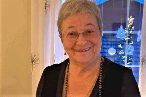 Anne-Terese «Lille» Johansen (78) fra Ramberg er  tildelt Flakstad kommunes pris for «Årets ildsjel».
