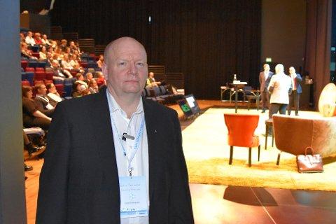 COUNTRYGENERALEN: Reidar Samuelsen i Lofoten countryfestival holdt innlegg på Lofotkonferansen onsdag.