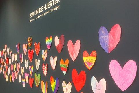 Illustrasjonsbilde: 268 unike hjerter i Lofotsenteret.