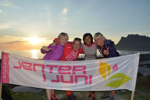 Arrangørene bak Jenter i juni er f.v. Tove Westgaard, Linda Vibakk, Siv Arntzen og Rita Iren Nordheim. Bildet er tatt i 2019.