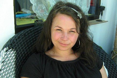 Tina Eriksen Figenschau (39) fra Ramberg har søkt stillingen som assisterende rådmann i Flakstad kommune.