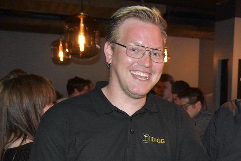 Daglig leder Tore Holmen ved Digg restaurant, bar og disko på Leknes.