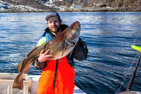 Kay Petter Thoresen (26) startet turistbedriften Nordic fishing adventures i Sørvågen i 2018.
