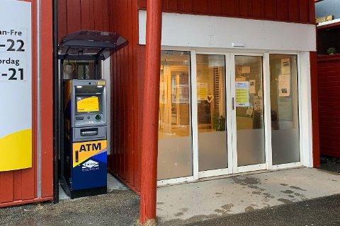 Euronet har montert minibank utenfor Ramberg varehus i Flakstad.