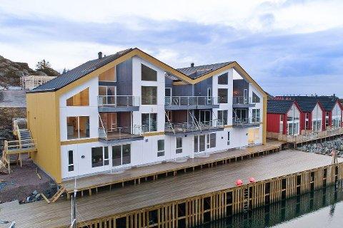 Det er leiligheten til venstre som nå er solgt, som den siste av seks fritidsleiligheter på Gjermesøya. Utbygger er Jonassen maskin og transport AS.