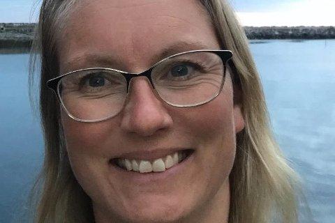 Therese Amalie Holtan Larsen (43) er daglig leder for Lofoten Bed & Breakfast, Reine Holding AS, og eier og daglig leder for Aqua Lofoten Coast Adventure på Reine i Moskenes.