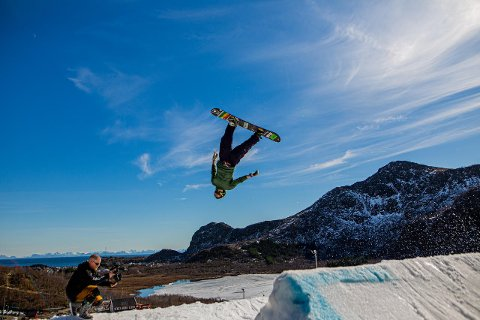 Bilder fra parkjamen i Lofoten Snowboard & Alpinsenter.