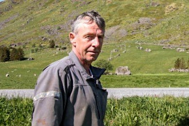 Sauebonden Svein Wærstad (57) fra Sennesvik avverget tyveri hos naboen torsdag morgen.