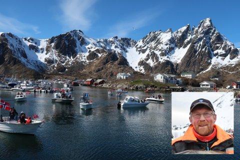 Fisker Børge Iversen (innfelt) inviterer til ny båtkortesje under årets 17. mai-feiring på Ballstad. Bildet er tatt fra fjorårets kortesje, der over 120 båter deltok.