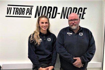 Marianne Eriksen Johnsen (20) har tatt fagprøven i bilmekanikerfaget på Bil i Nord på Leknes. T.h. mentor og makker Thor Gårder (49).