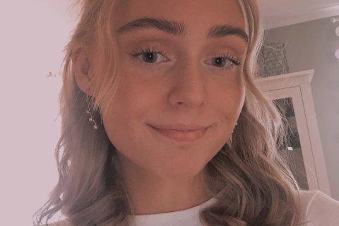 Emelie Myrvold (19) fra Fygle på Vestvågøy vil bli ambulansearbeider.
