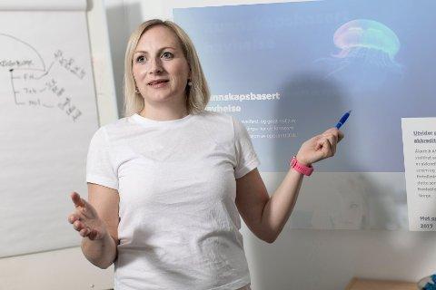 Lene-Catrin Ervik (42) er eldst av de fire søsknene Martinsen fra Saupstad. I fjor flyttet hun og familien hjem til Lofoten.