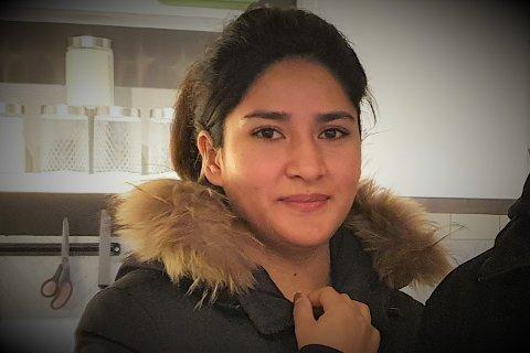 Tidligere kafedriver Marzia Mohammedi (27) har fått ny jobb som helsesekretær på sykehuset på Gravdal.
