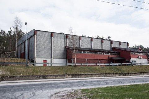 I BOKS: Nye Lyngdal har vedtatt å videreføre avtalen om bruk av Byremohallen med eierne.