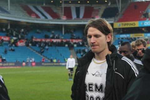 SVÆRT NÆR OVERGANG: Rosenborg-midtstopper Stefan Strandberg er på plass hos en interessert klubb for å forhandle frem personlige betingelser. Overgangsvinduet stenger mandag ved midnatt.