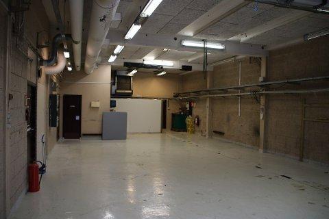 GJÆRKAR: Pressehallen til Avisen Agder kan gi rom til både gjærkar og øltapperi.
