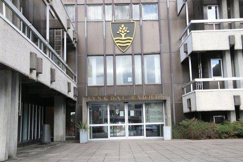 KONTROLL: Smittesituasjonen ser ut til å være under kontroll og flere ansatte returnerer til rådhuset.