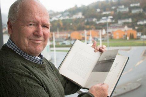 ORGANISATOR: Arne Lervik og Austad historielag har stått for organiseringen av at frigjøringsjubileet blir markert over hele Lyngdal, fra Austad til Grindheim.