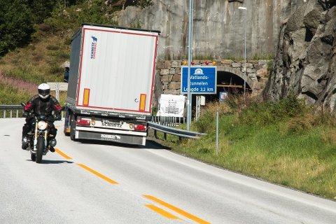 KLUSS: De stengte tunnelene utgjør en feilkilde for målepunktetb Vatland, der trafikkveksten kan synes å ha vært hele 49 prosent. Men her er altså juni 2019 sammenlignet med juli 2020.