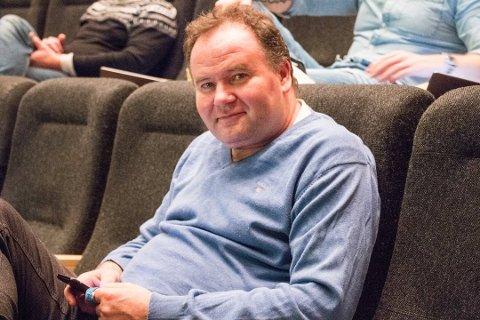 ØNSKER REDEGJØRELSE: Tønnes Seland ønsket en redegjørelse for hvorfor det ikke er lokale leverandører av skole og barnehagemat.