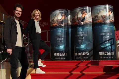 INVITERER: Kinomaskinist Terje Aune Gilje og kinosjef Torhild Svege gleder seg til førpremieren av «Nordsjøen».