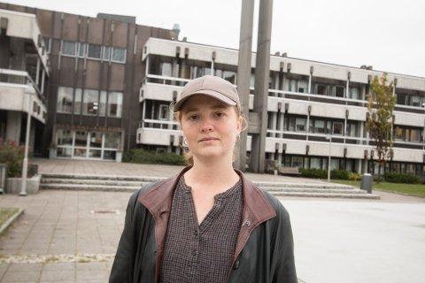 MÅ UTSETTE – IGJEN: Helle Qvale Ringereide innrømmer at det er frustrerende å måtte utsette stiftelsen av Dalstroka Lokalmat nok en gang på grunn av smittevernhensyn.