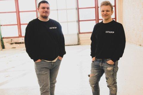 UNGE SOM SATSER: Markus Aasmul (18) og Thomas Nilsen (20), sammen med 22-åringen Thomas Aamodt (ikke til stede) har valgt å satse med eget selskap. Foto: Lars Frøsland
